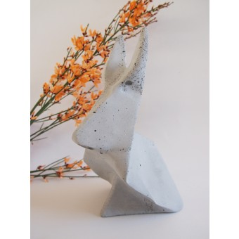 Origamihase aus Beton