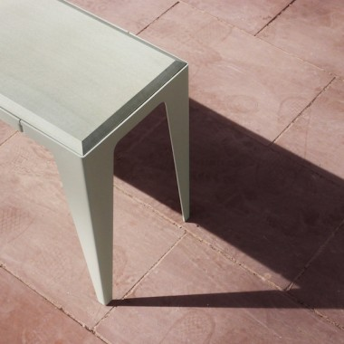 BANK CHAMFER seiden-grau | nachhaltiges Möbeldesign | WYE