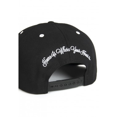 HOME IS WHERE YOUR HEART IS. – Wonderland Snapback (black/black)