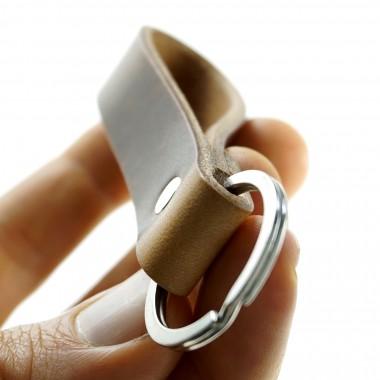 LIEBHARDT Leder Schlüsselanhänger aus pflanzlich gegerbtem Leder genietet (braun)