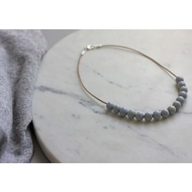 Skelini - kurze Porzellan Perlenkette pastellblau