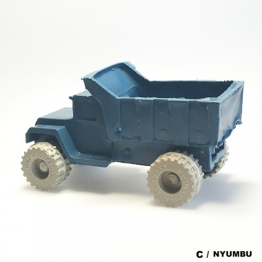 MUIMA Trucks aus KENIA bei DETAILS Produkte
