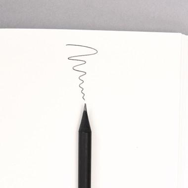 tyyp Bleistift schwarz durchgefärbt