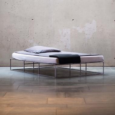 ION Bett schwarz von MAZANLI
