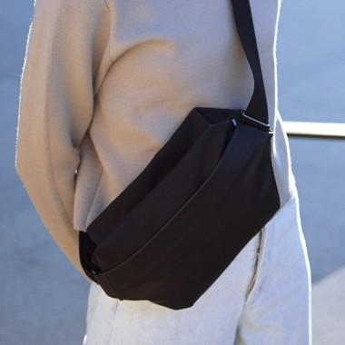VANOOK - Sling Bag Large Black