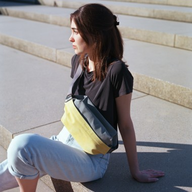 VANOOK - Sling Bag Large Lemon