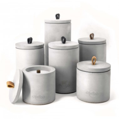 Beton-Outdoor-Feuer (H 24) mit wetterfestem Betondeckel. Oder: Der nachhaltige Wachs-Fresser von Grellroth Design