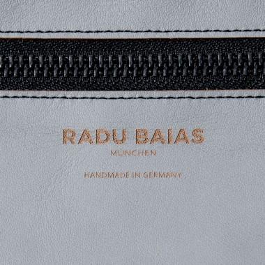 Crossbody Tasche Grau – aus premium pflanzlich gegerbtem Oivenleder®