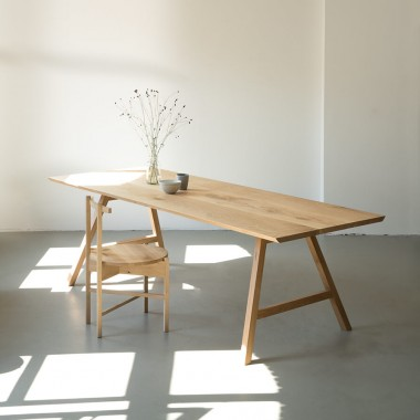 NUTSANDWOODS Oak Table