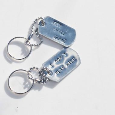 iloveblossom NAUGHTY BUT NICE Schlüsselanhänger // Army