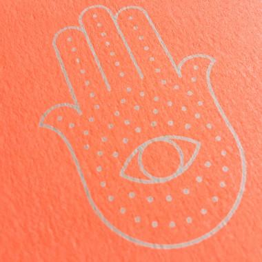 Feingeladen // SIMPLY DIVINE // Hamsa Hand »Schutz Kraft Glück« (FO) / RISO-Klappkarte, A6