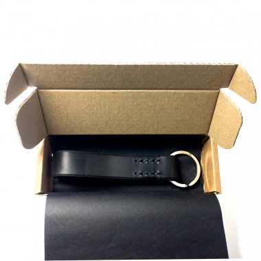 LIEBHARDT - Leder Schlüsselanhänger, handgenäht aus pflanzlich gegerbtem Echt-Leder - massive Sattlernaht - handstitched (schwarz mit schwarzer Naht)