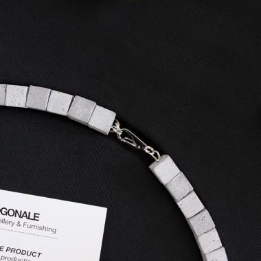 Beton Kette, Moderne Halskette, Minimalistischer Schmuck aus Beton