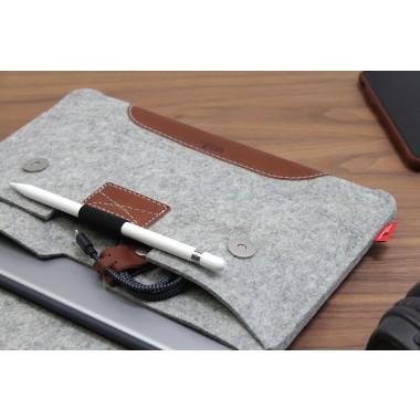 "iPad Pro 10.5"" Hülle, Case ""Hampshire"" 100% Merino Wollfilz, Pfalnzlich gegerbtes Leder"