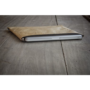 Laptop Hülle aus Blättern, Notebook Tasche, MacBook Case in hellbraun, 13 - 14 Zoll BY COPALA