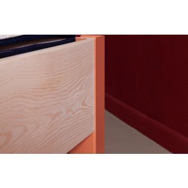 JOHANENLIES | Bett aus recyceltem Bauholz und Stahl | ALTIERS mit Kopfteil aus Wollfilz