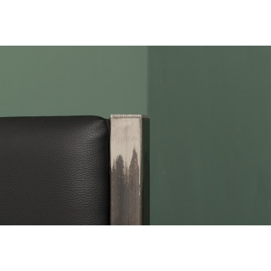 Bett  aus recyceltem Bauholz, Stahl und veganem Leder | BONNIEUX