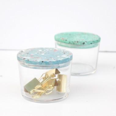 VLO design / Kleines Glas mit türkisem Deckel