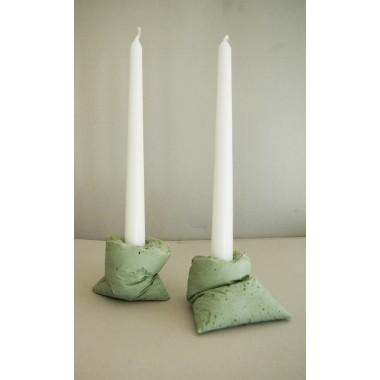 lj lamps kappa gr n zwei kerzenst nder aus beton. Black Bedroom Furniture Sets. Home Design Ideas