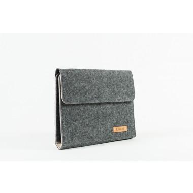 RÅVARE Tablet Organizer für kleine und mittlere Tablets ≤10.1″ mit vielen Stecklaschen, iPad, Samsung in grau-beige [KOCO M]