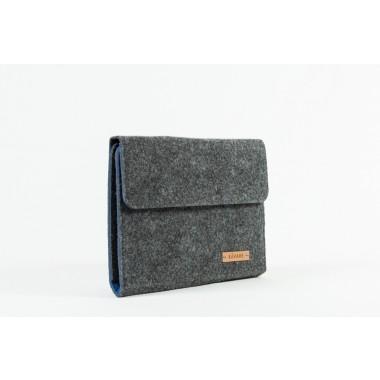 RÅVARE Tablet Organizer für kleine und mittlere Tablets ≤10.1″ mit Schreibblock, iPad, Samsung in grau-blau [KORA M]
