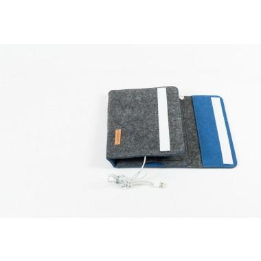 RÅVARE Tablet Organizer für kleine und mittlere Tablets ≤10.1″ mit vielen Stecklaschen, iPad, Samsung in grau-blau [KOCO M]