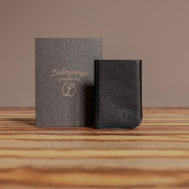 LEDERJUNGE – Kreditkartenetui »KEITH« aus Rhabarberleder (schwarz)