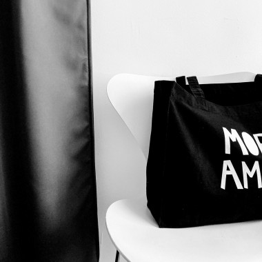 Love is the new black — More Amore Shopper