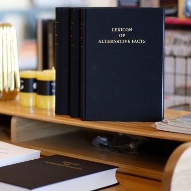 Lexicon of Alternative Facts (Felix Tarantik und Toni Egger)