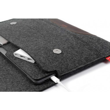 "MacBook Pro 16"" Sleeve (Touch Bar / Touch ID) 100% Merino Wollfilz, Pflanzlich gegerbtes Leder"