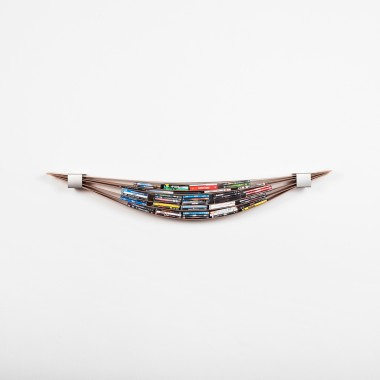 Chuck - the flexible wall shelf (oiled)