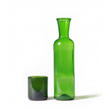 SAMESAME No 04 Karaffe aus Bordeauxflasche mit Trinkbecher