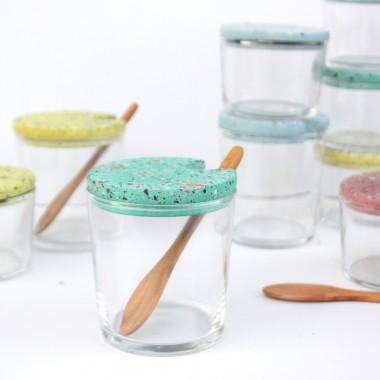VLO design / Großes Glas mit Holzlöffel & blauem Deckel