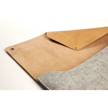 "Alexej Nagel 15"" MacBook Pro Retina Hülle aus Leder & Filz grau [G]"