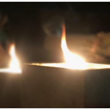 Beton-Outdoor-Feuer mit tollem Lederdeckel in dunkelgrau von Grellroth