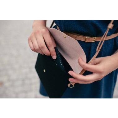 MARILA Handtasche Quadratisch Schwarz Muster Kork vegan