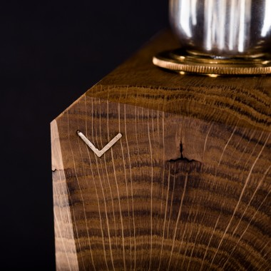 KUBUS | Tischleuchte aus Holz von Verschnitt mit Leuchtmittel VORONOI I von Tala