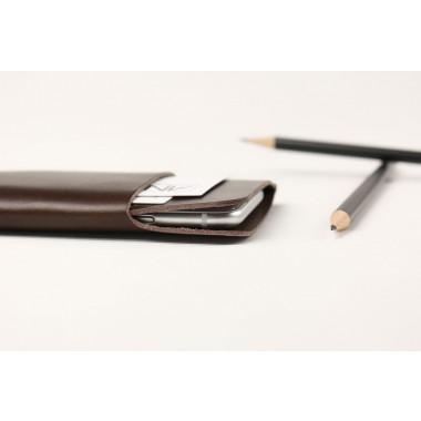Alexej Nagel iPhone 5/5S/SE Slim Fit Hülle aus Premium Leder - braun [BR]