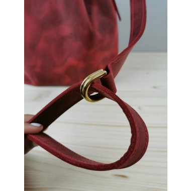 Bucket Bag Leder // Leder Beuteltasche // roter Lederbeutel // Bucketbag aus Pull up Leder // tumblr