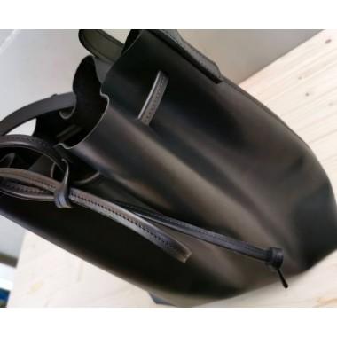 Leder Bucket Bag // schwarzer Lederbeutel // schwarze Umhängetasche // Bucketbag // minimal // Shopper