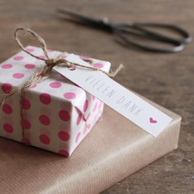 kleiner mensch Geschenkanhänger – 12 Stück (pink und türkis)