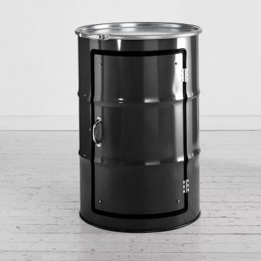 Schrank aus einem Ölfass