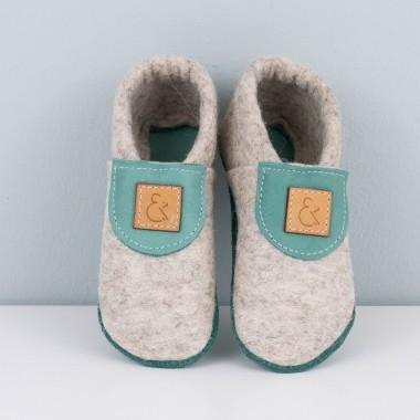 MEIN EIN & ALLES Babyschuhe / Krabbelschuhe / Hausschuhe aus Merino-Wollfilz und Bio-Leder in Grün