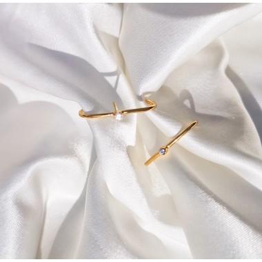 iloveblossom WHITE CRESCENT Ohrringe