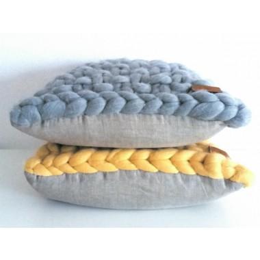 Dotty & Stitch - Dekokissen 'Anna' aus reiner Merinowolle