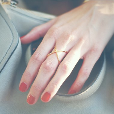 iloveblossom CROSSING OVER RING // gold