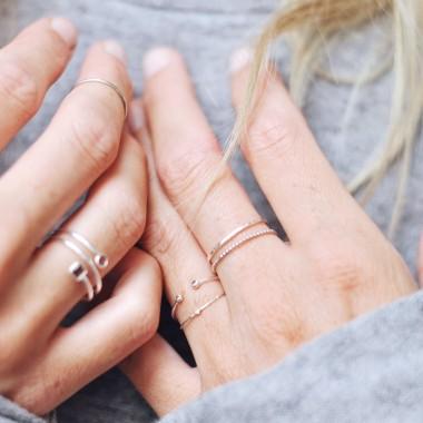 iloveblossom Delicate Flower Ring *rosé gold*