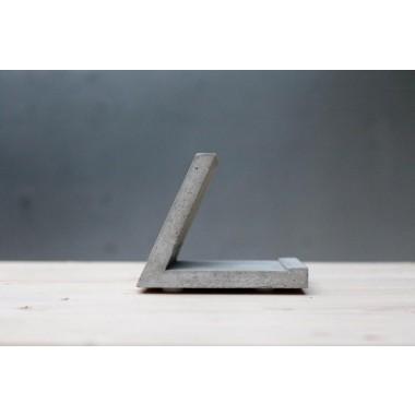 Tabelthalter aus Beton
