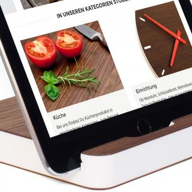 klotzaufklotz Tablet-Ständer Nussbaum