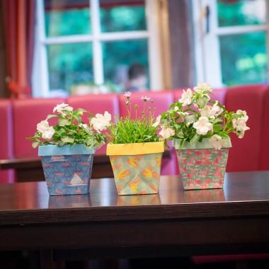 Die Stadtgärtner 3 Sommerliche Design-Blumentöpfe aus Tyvekk® | Absolut Reiß- und Wasserfest | Zum Umtopfen Oder als Übertopf | Enthält 3 Motive: Flamingo, Ananas & Möwe